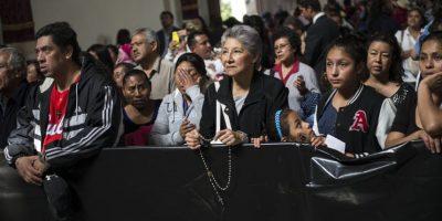 Galería: Guatemaltecos veneran a la Virgen morena en zona 1