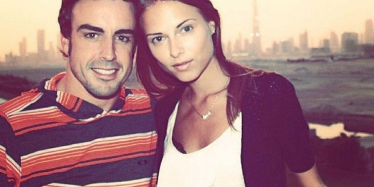 Fernando Alonso cambia de escudería y... ¿deja a su novia?