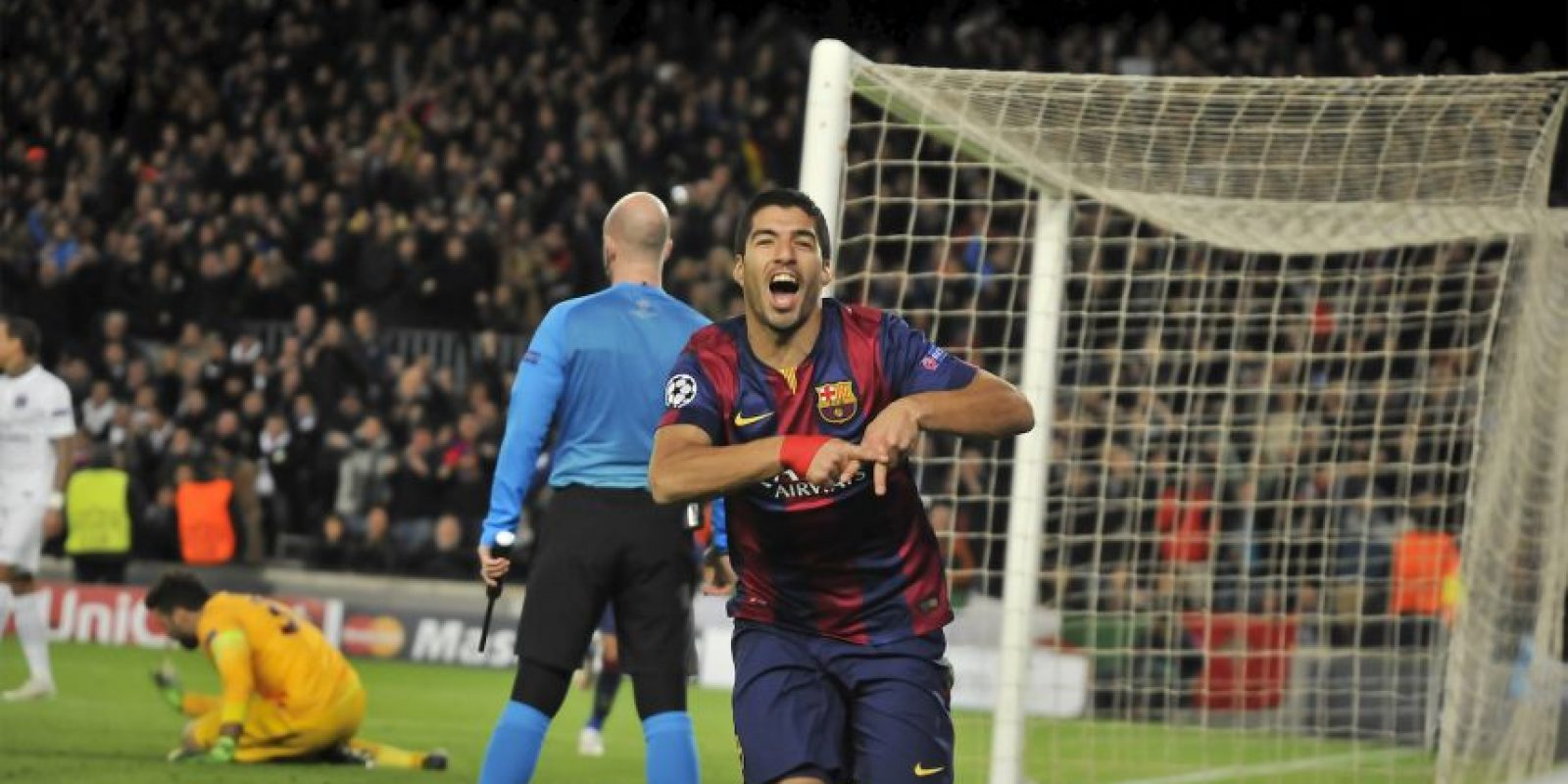 El delantero uruguayo celebró en grande su primera anotación en un partido oficial con la camiseta culé Foto:Ramón Mompió