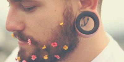 Las barbas con flores fueron una tendencia en Instagram a comienzos de año Foto:Instagram