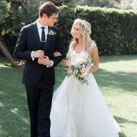 """La protagonista de """"High School Musical"""" celebró una boda secreta con Christopher French el pasado 8 de septiembre, en Villa Sevillano en Santa Bárbara."""