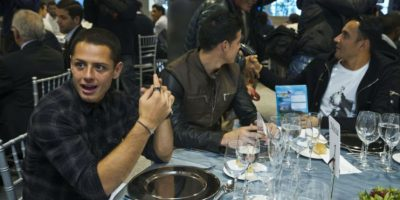 """El mexicano Javier """"el Chicharito"""" Hernández se sentó junto con James y Keylor. Foto:EFE"""
