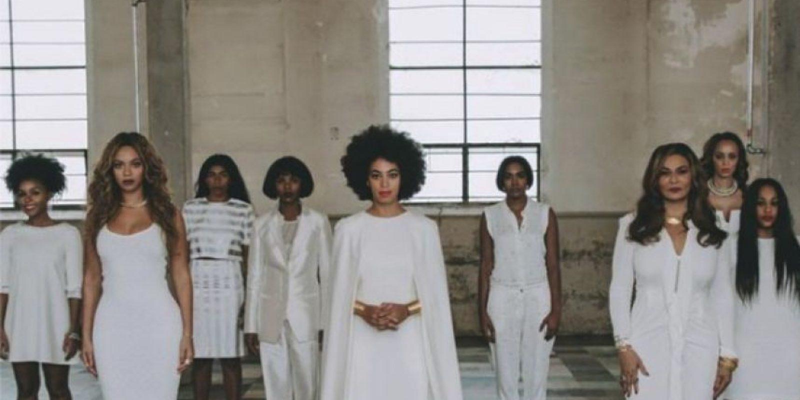 Este retablo familia se ha convertido en una de las fotos más populares del moment. Foto:Instagram/Beyoncé