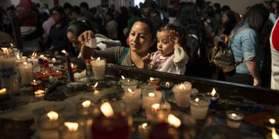 GALERÍA: Miles de guatemaltecos veneran hoy a la Virgen Morena
