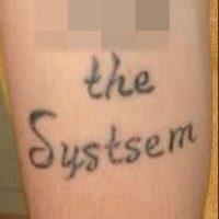 "Le sobró una ""s"": system Foto:Tumblr.com/Tagged/tatuajes-ortografía"