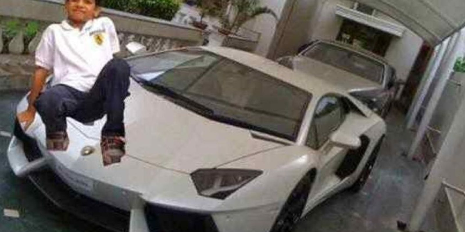 Sí, tu padre te compró ese auto. Te creemos. Foto:EpicFail