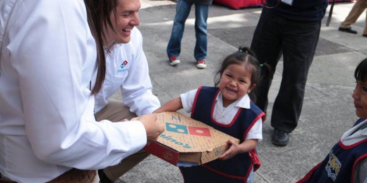 FOTOS. Donan pizza a instituciones benéficas
