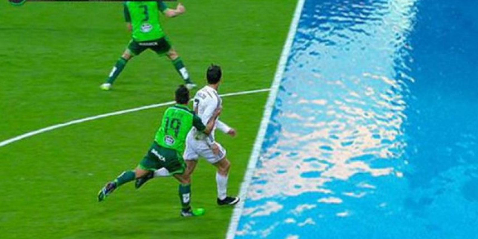Se burlaron por su piscinazo ante Celta de Vigo Foto:Twitter