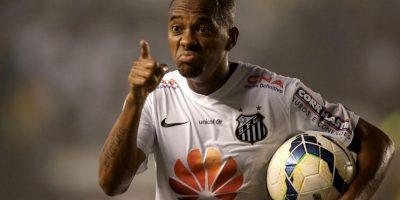 El jugador del Santos aceptó que se negocie su llegada al fútbol azteca Foto:Getty