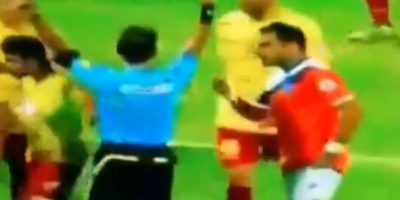 El árbitro no amonestó al agresor por la jugada Foto:Instagram: @jraymq8
