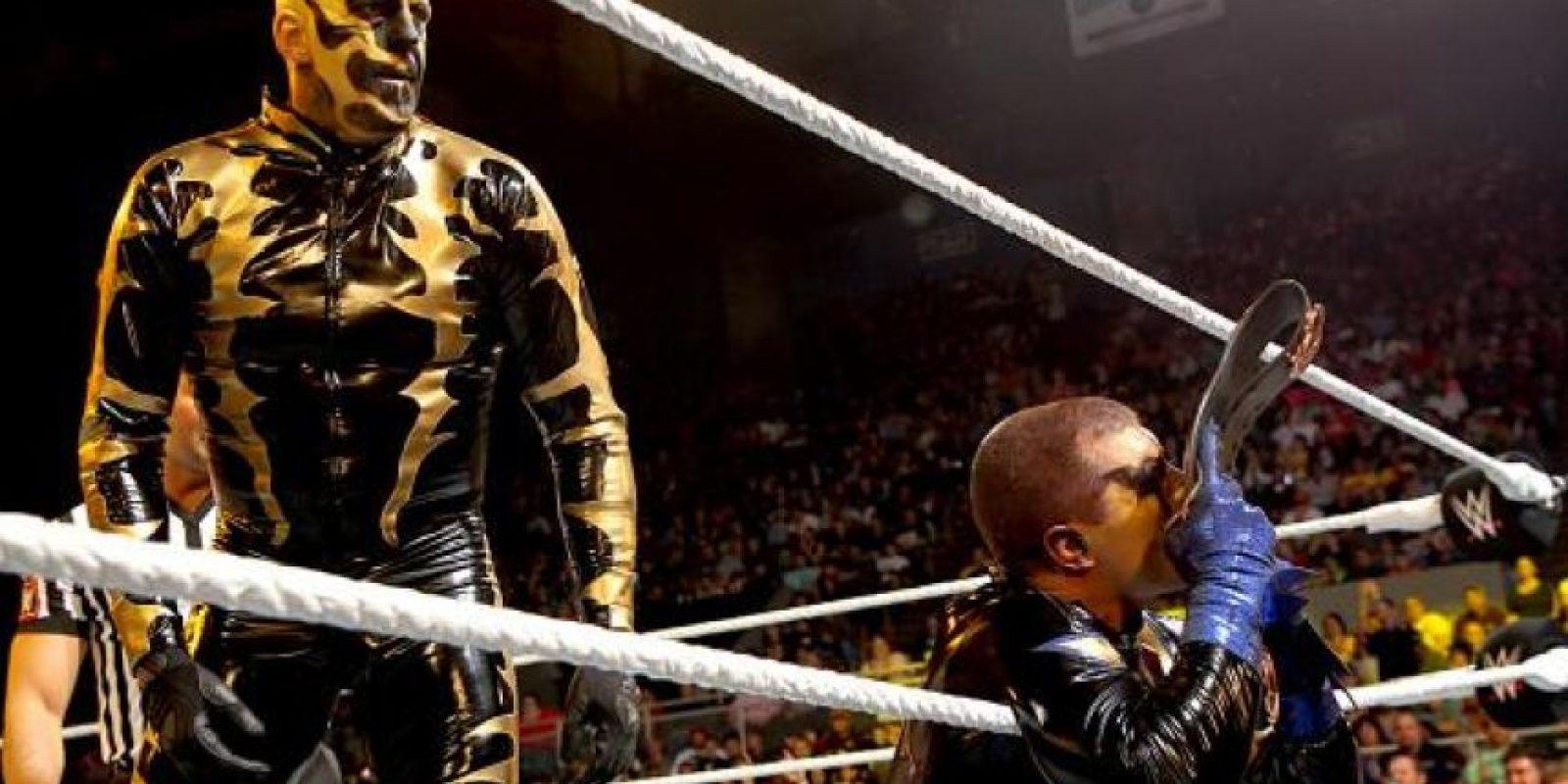Contra Gold & Stardust Foto:WWE