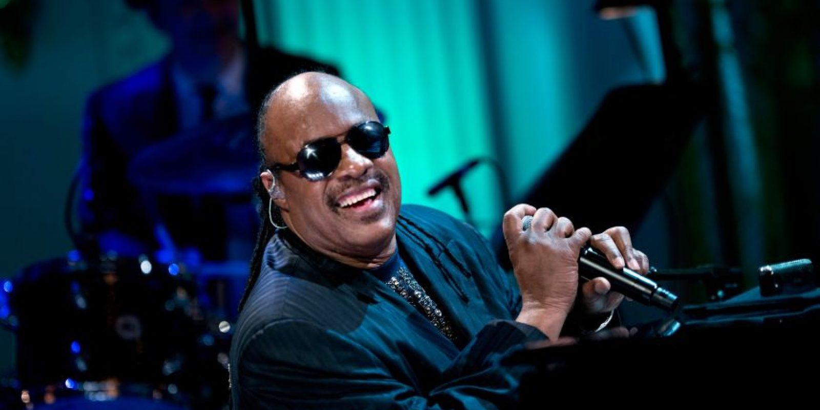 El cantautor ciego de 64 años ha ganado 25 premios Grammy Foto:AFP