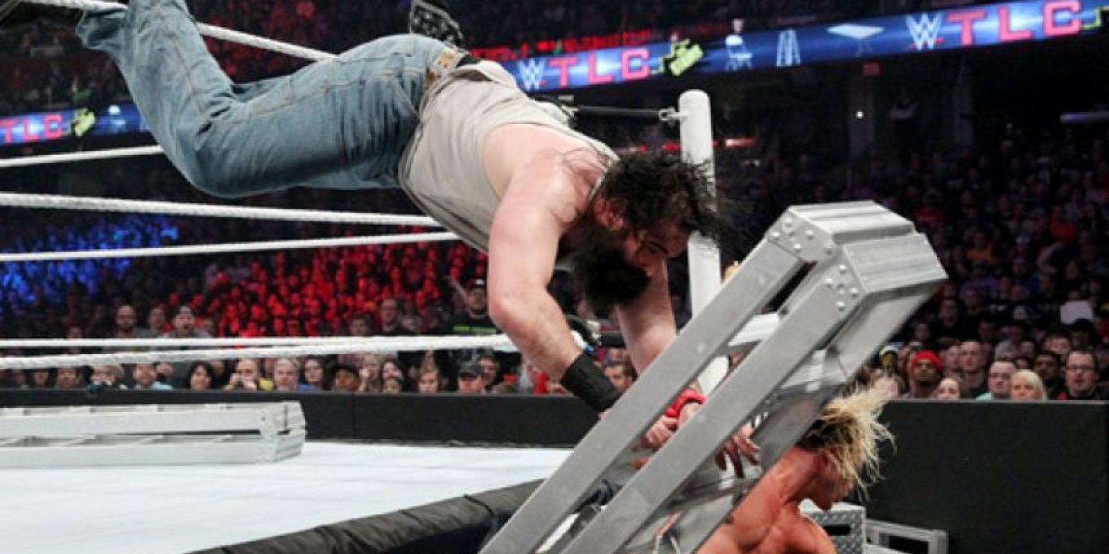 Disputaron el Campeonato Intercontinental Foto:WWE