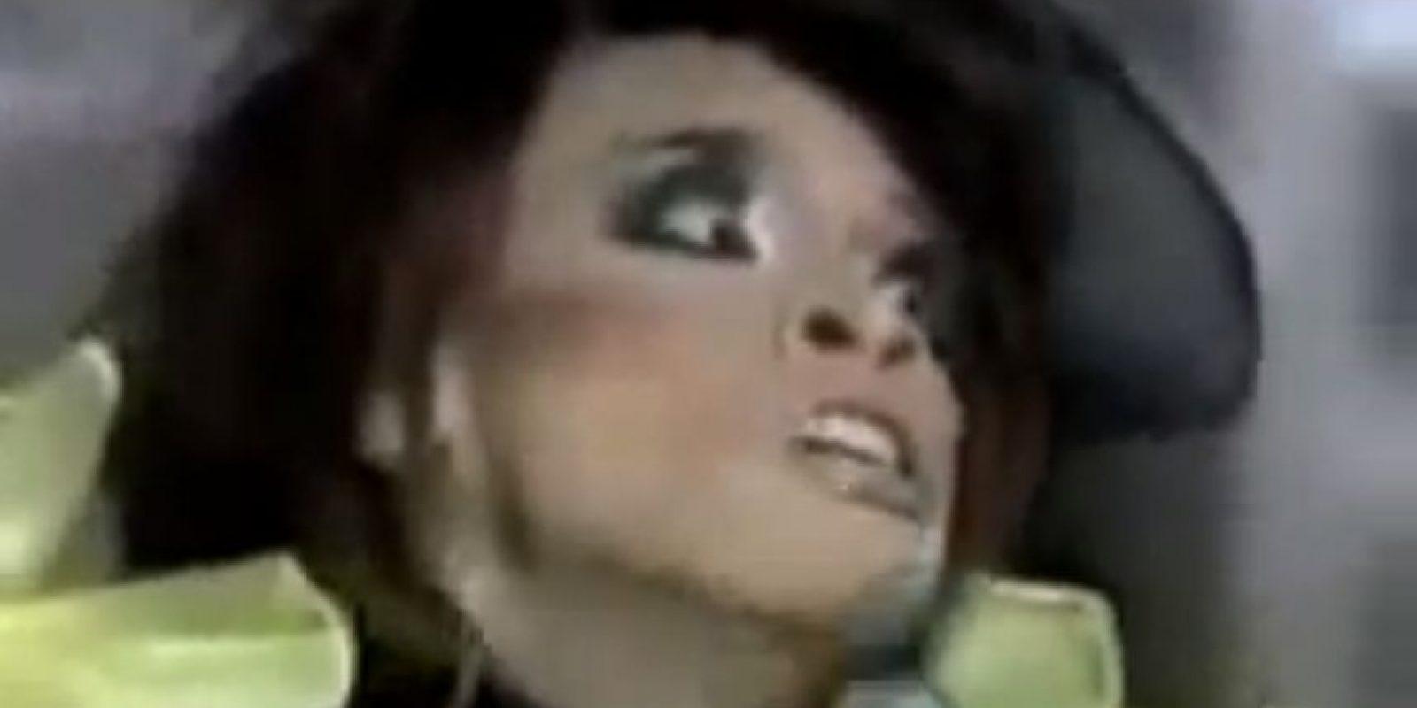 Este hizo un relincho que se hizo viral hace 4 años, pero no es el único cantante WTF Foto:Youtube