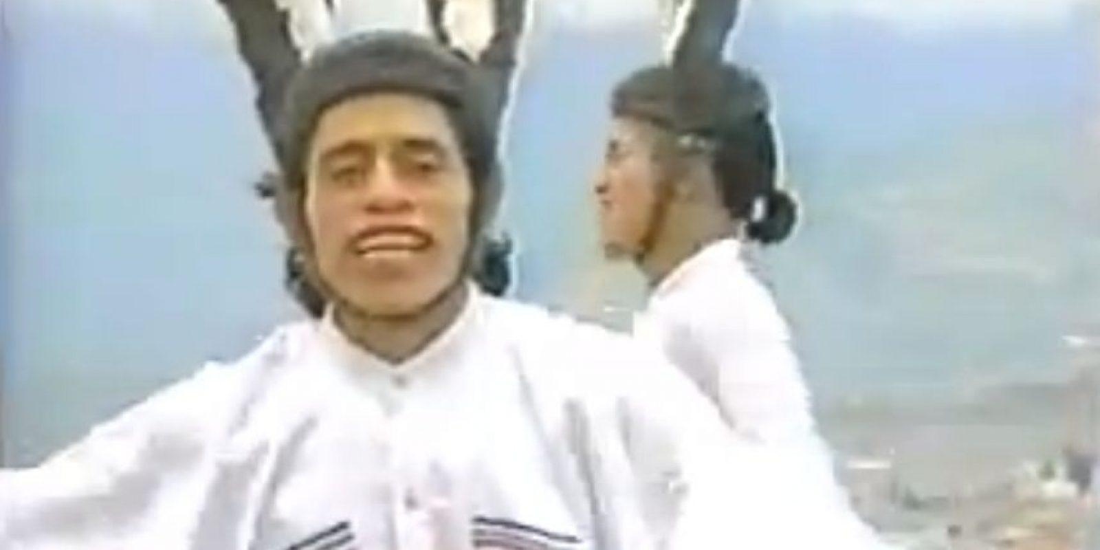 Se hicieron famosos por interpretar el videoclip en un techo de Quito. Foto:Youtube