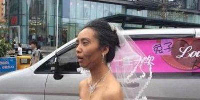 Esta mujer decidió darle una sorpresa a su novio maquillándose como vieja. Foto:Weibo