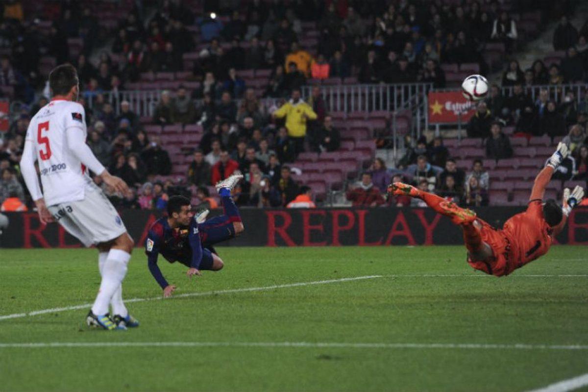 Pedro anotó tres de los ocho goles del Barça al Huesca. Foto:afp