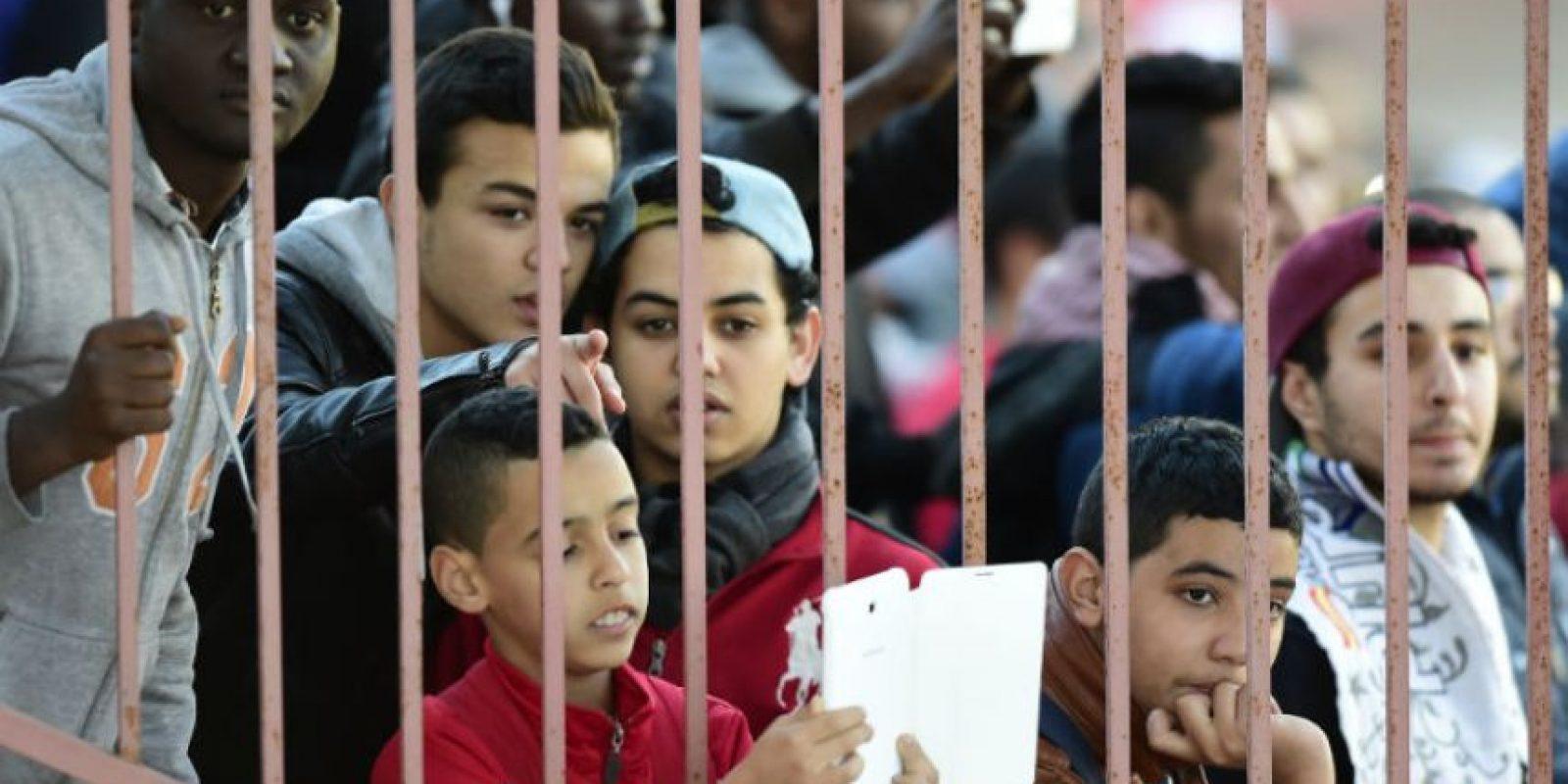 La afición esperó ansioso ver el entrenamiento del Real Madrid y sus estrellas. Foto:AFP