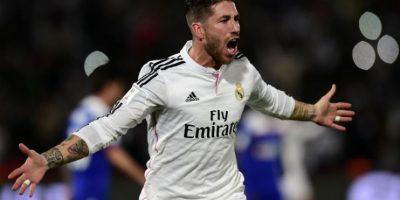 Sergio Ramos celebra después de haber anotado el primer gol del partido. Foto:AFP