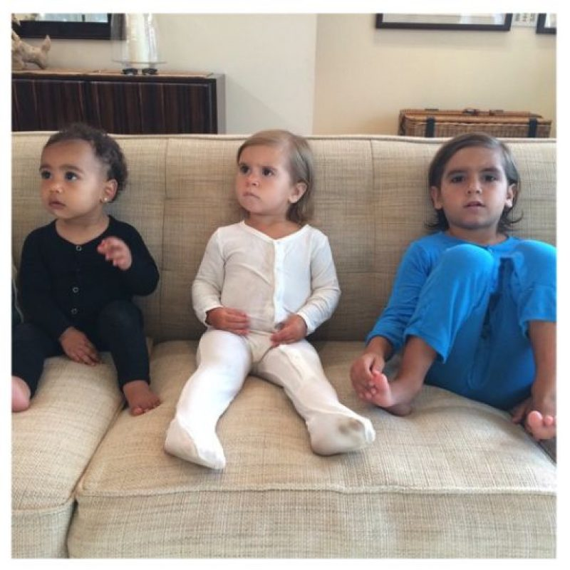 En pijama con sus primos. Foto:Instagram/Kim Kardashian
