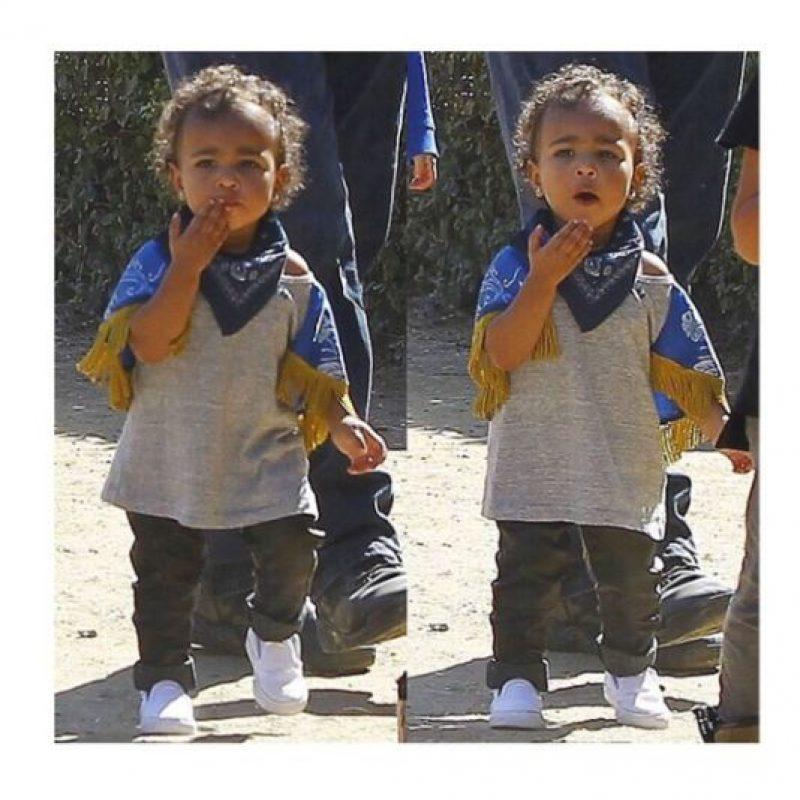 En su paseo, en busca de una calabaza para Halloween. Foto:Instagram/Kim Kardashian