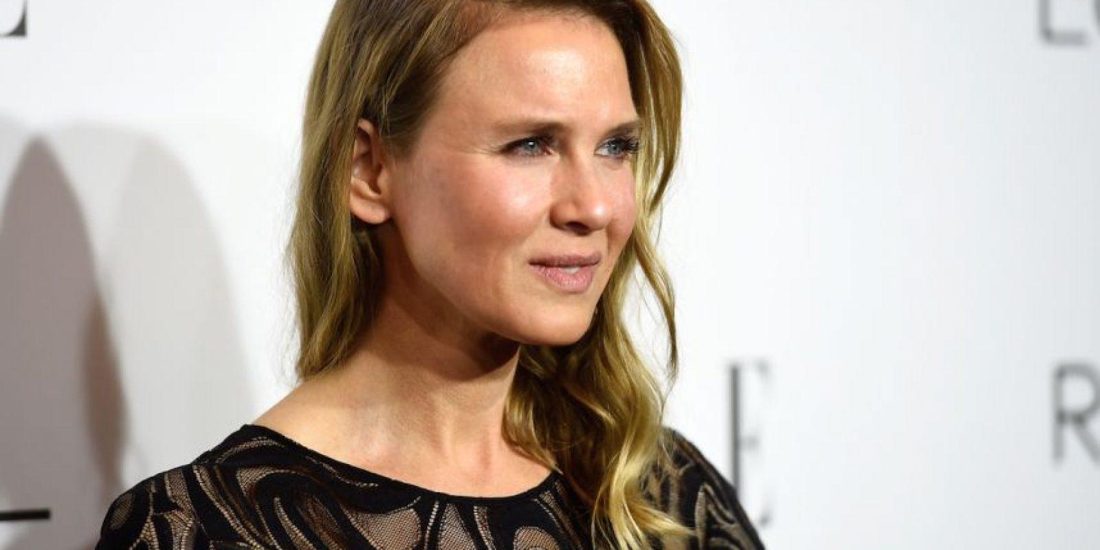 Aunque, Renee aseguró que su cambio se debe a la edad y una modificación en sus hábitos y estilo de vida, diversos medios especularon que la actriz se sometió a más de una cirugía. Foto:Getty Images