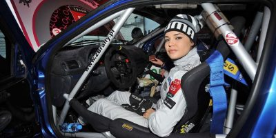Además de su pasión por las carreras, a Inessa le encanta el modelaje. Foto:moto.wp.pl