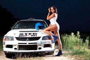 Además de su pasión por las carreras, a Inessa le encanta el modelaje. Foto:motor.es