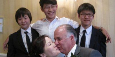 El hombre está a punto de huir. Foto:Awkward Family Photos