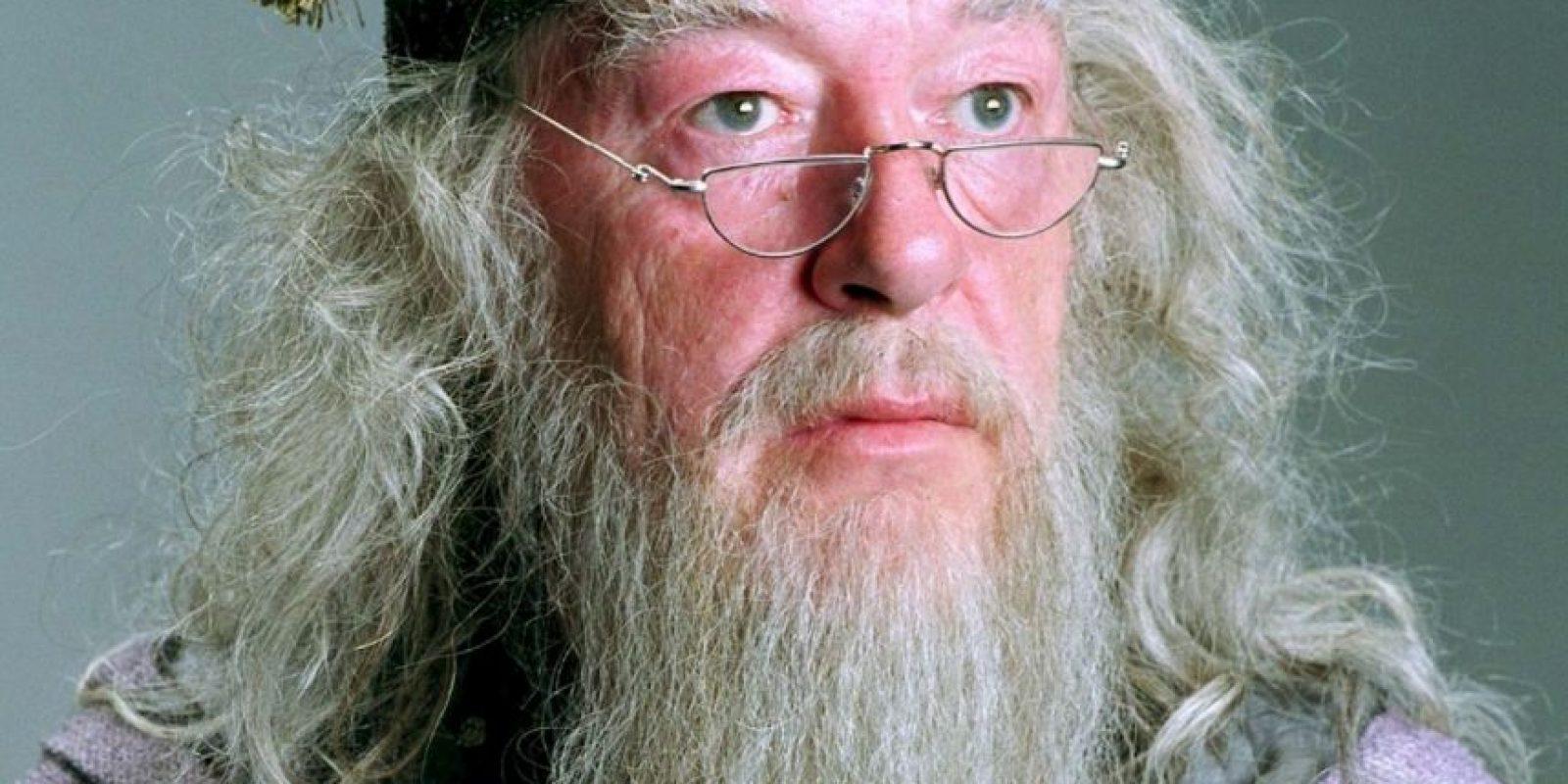 Luego de recuperar el primer Horrocrux, sabía que tenía los días contados. Supo que Voldemort envió a Draco Malfoy a matarlo, por lo que le pidió a Snape que lo hiciera (para su disgusto) y así evitar que Draco se corrompiese. Foto:Warner Bros