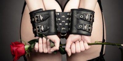Sumisión y dominación: las dos fantasías sexuales favoritas de ellas