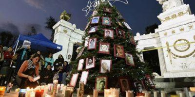 Padres de los 43 estudiantes desaparecidos piden investigar al ejército