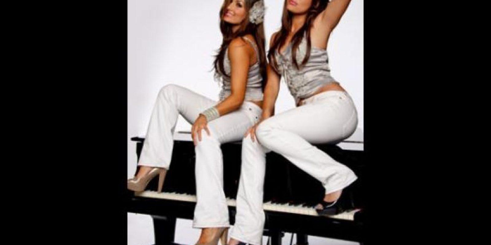 Sesión de fotos de las gemelas Bella en 2010 Foto:WWE