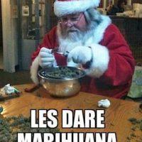 Santa dealer Foto:Know Your Meme