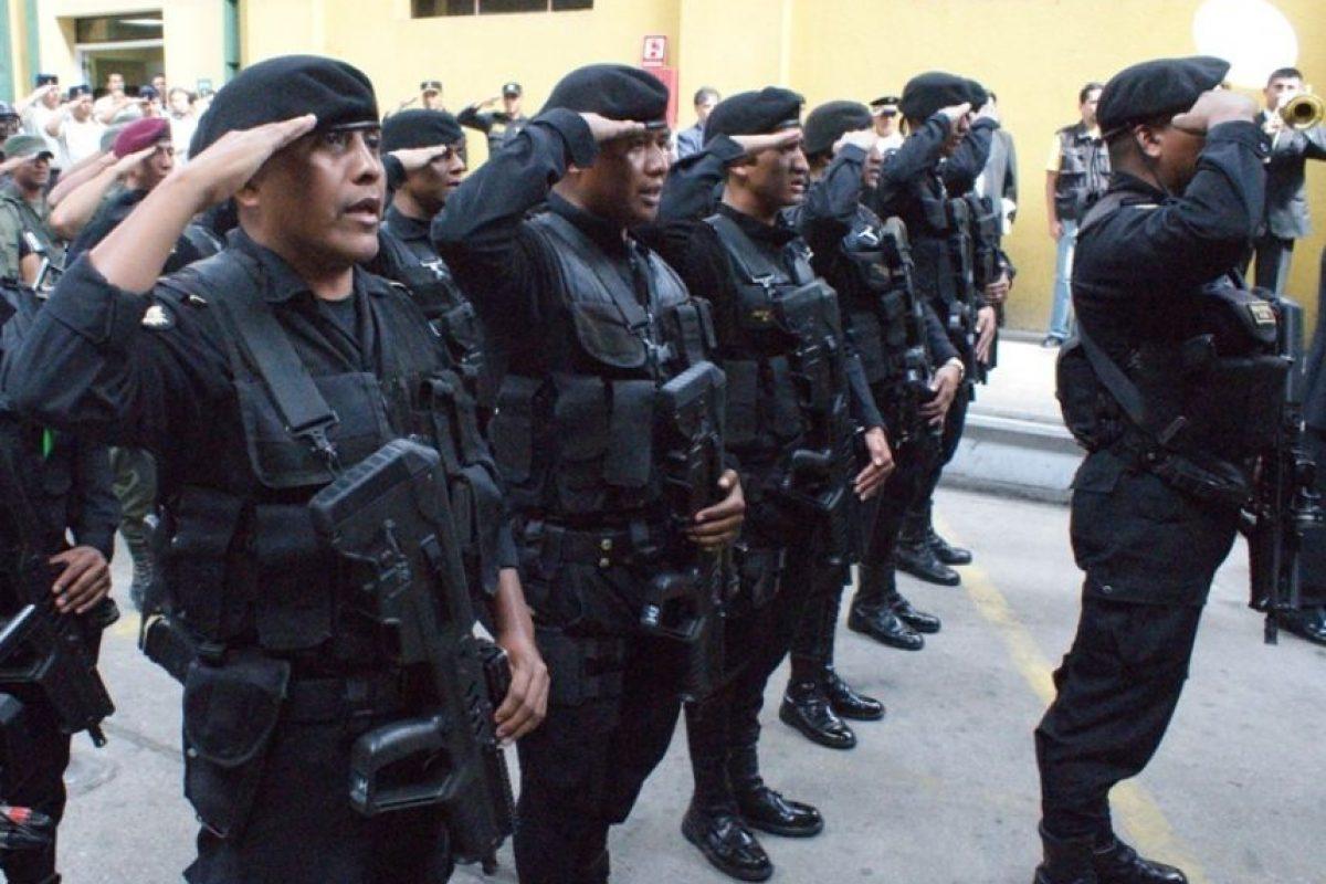 Un total de 500 policías fueron designados para brindarle seguridad a los aficionados que lleguen esta noche al Mateo Flores.