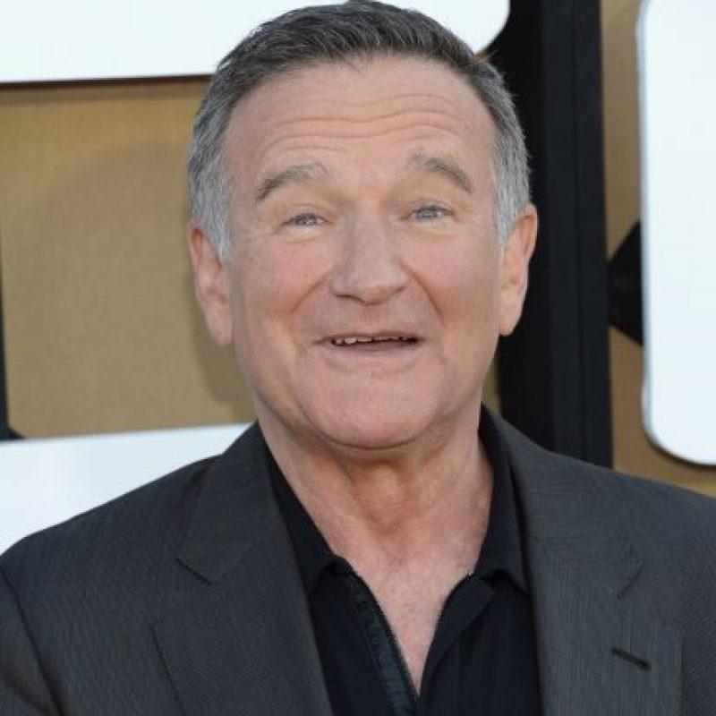 4. Robin Williams. Comediante estadounidense nos dejó de 63 años el 11 de agosto de este año después de cometer suicidio en su casa de California. Comenzó su carrera como cómico de stand-up y llegó a convertirse en una estrella de cine de fama mundial. Foto:Getty Images