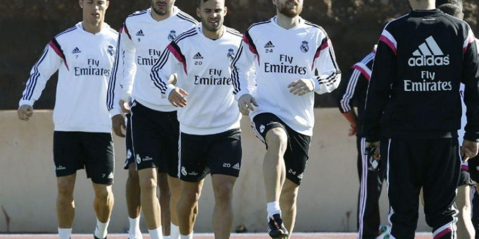 El Real Madrid durante el entrenamiento de este jueves. Foto:EFE