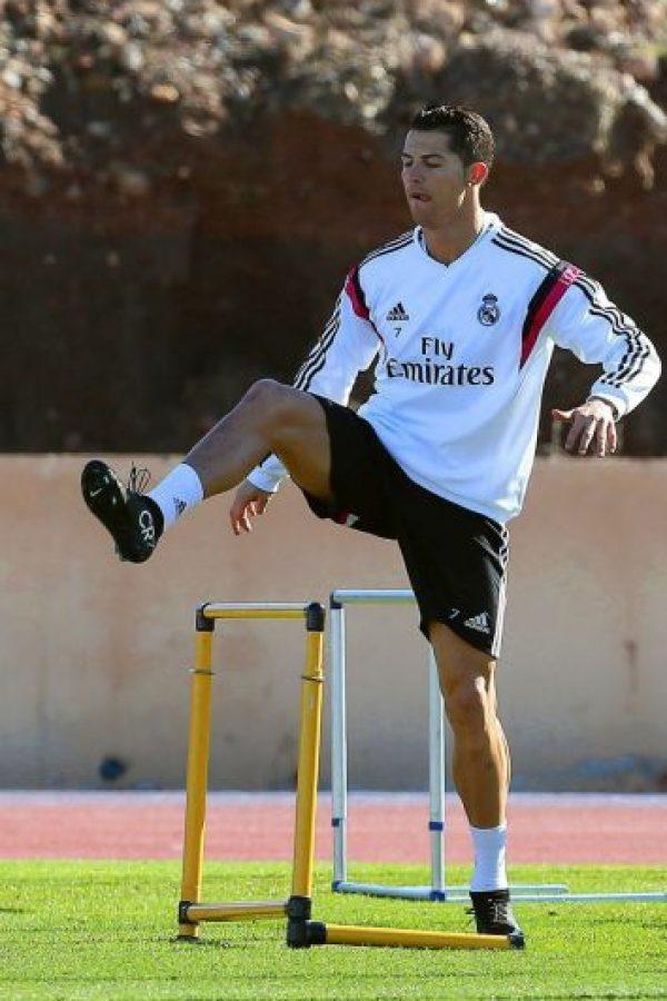 Cristiano Ronaldo durante la práctica de este jueves. Foto:EFE