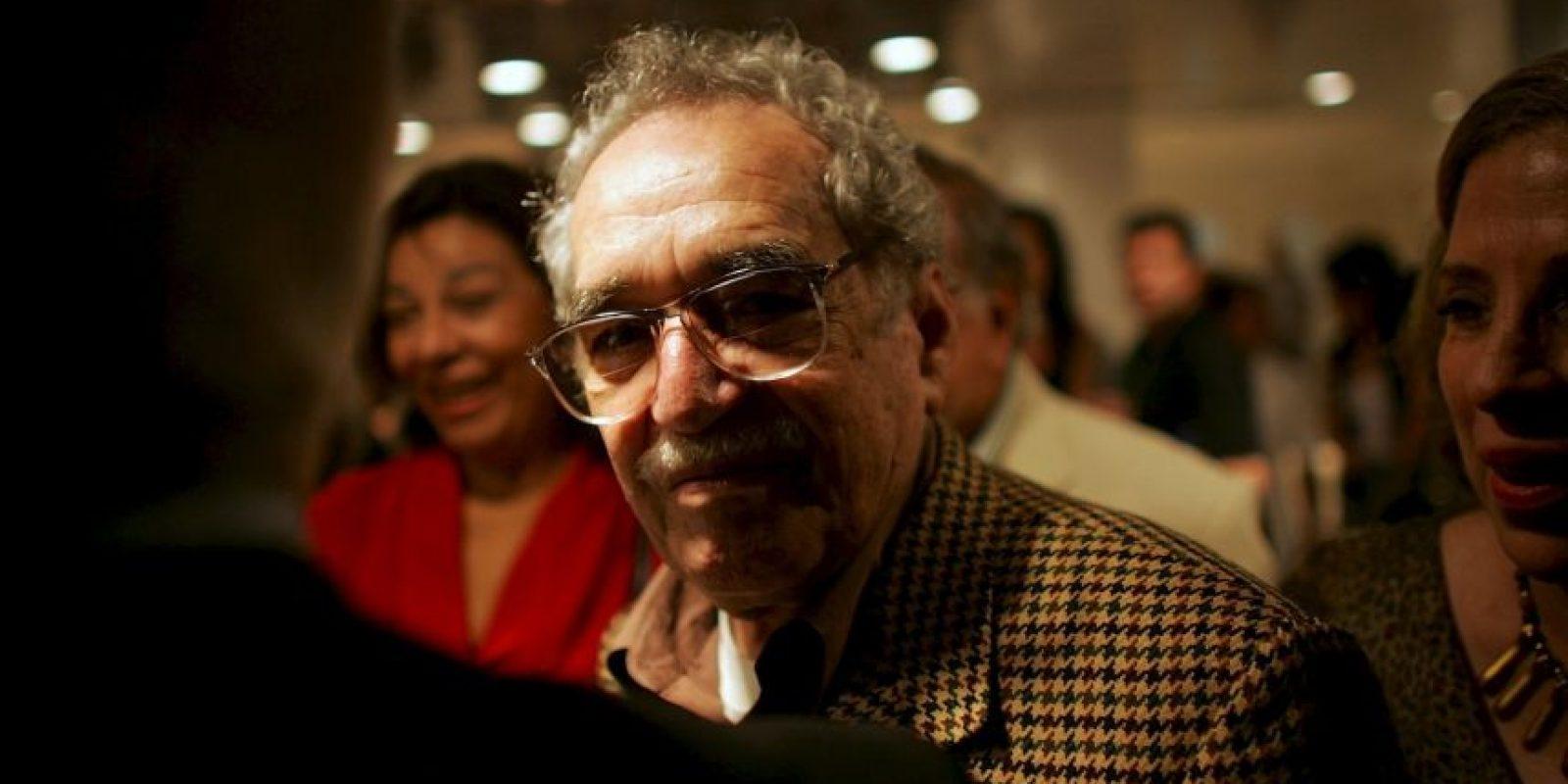 1. Gabriel García Márquez. Gabo (como era conocido en América Latina) es considerado uno de los autores más importantes del siglo XX. El novelista colombiano, cuentista, guionista y periodista fue galardonado con el Premio Nobel de Literatura en 1982. García Márquez murió de neumonía a la edad de 87 años el 17 de abril de este año en la Ciudad de México. Foto:Getty Images