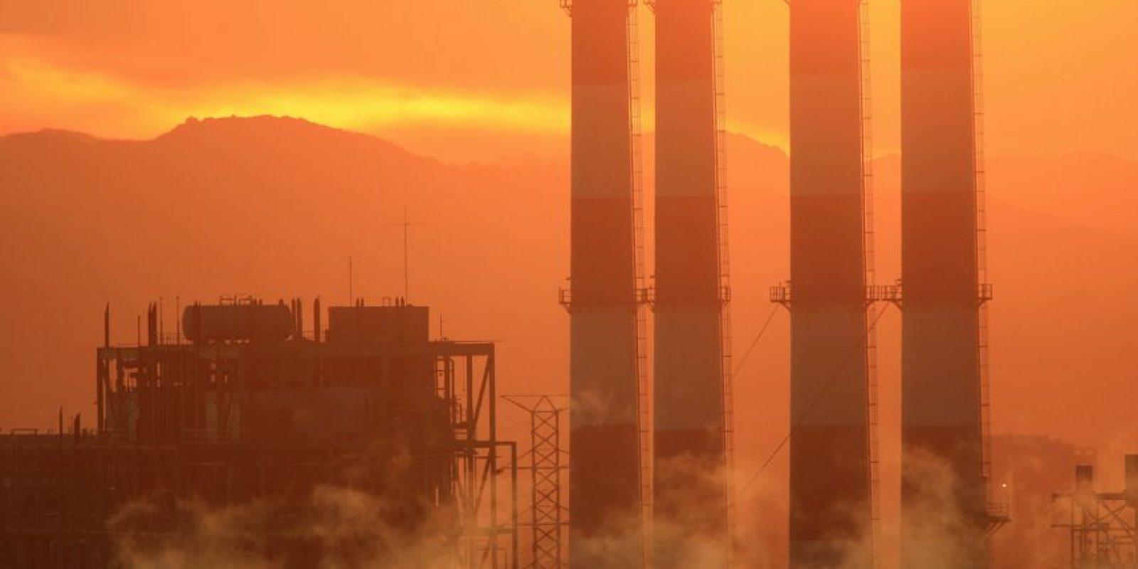 Mientras que Estados Unidos, que ha emitido un tercio de toda la contaminación de carbono en la atmósfera, se ha colocado la responsabilidad de regular las emisiones de dióxido de carbono en la Agencia de Protección del Medio Ambiente, lejos de las disputas políticas en Washington DC. Foto:Getty Images