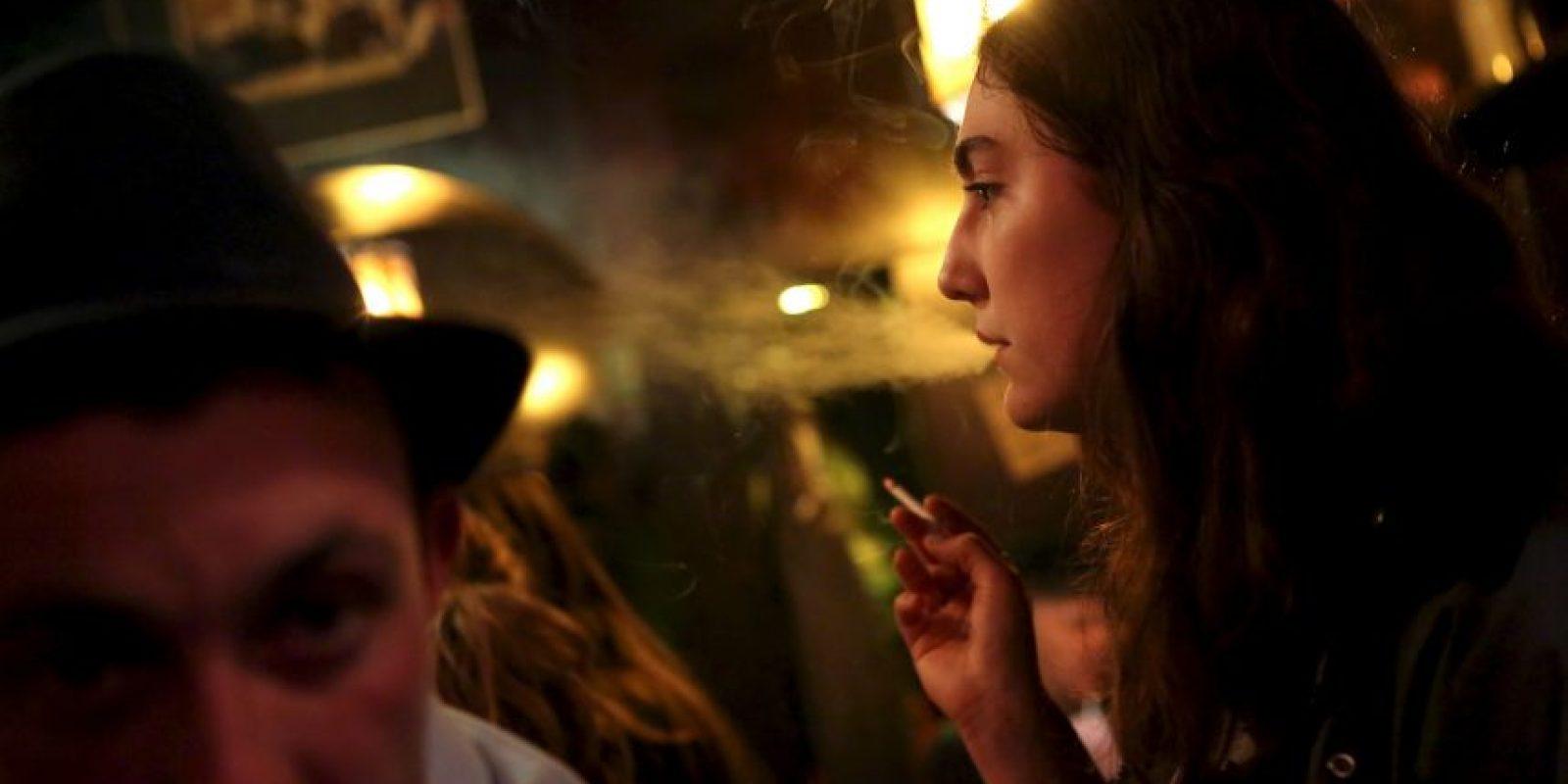 7. Cabe señalar que el fumador pasivo también se ve afectado. Foto:Getty Images