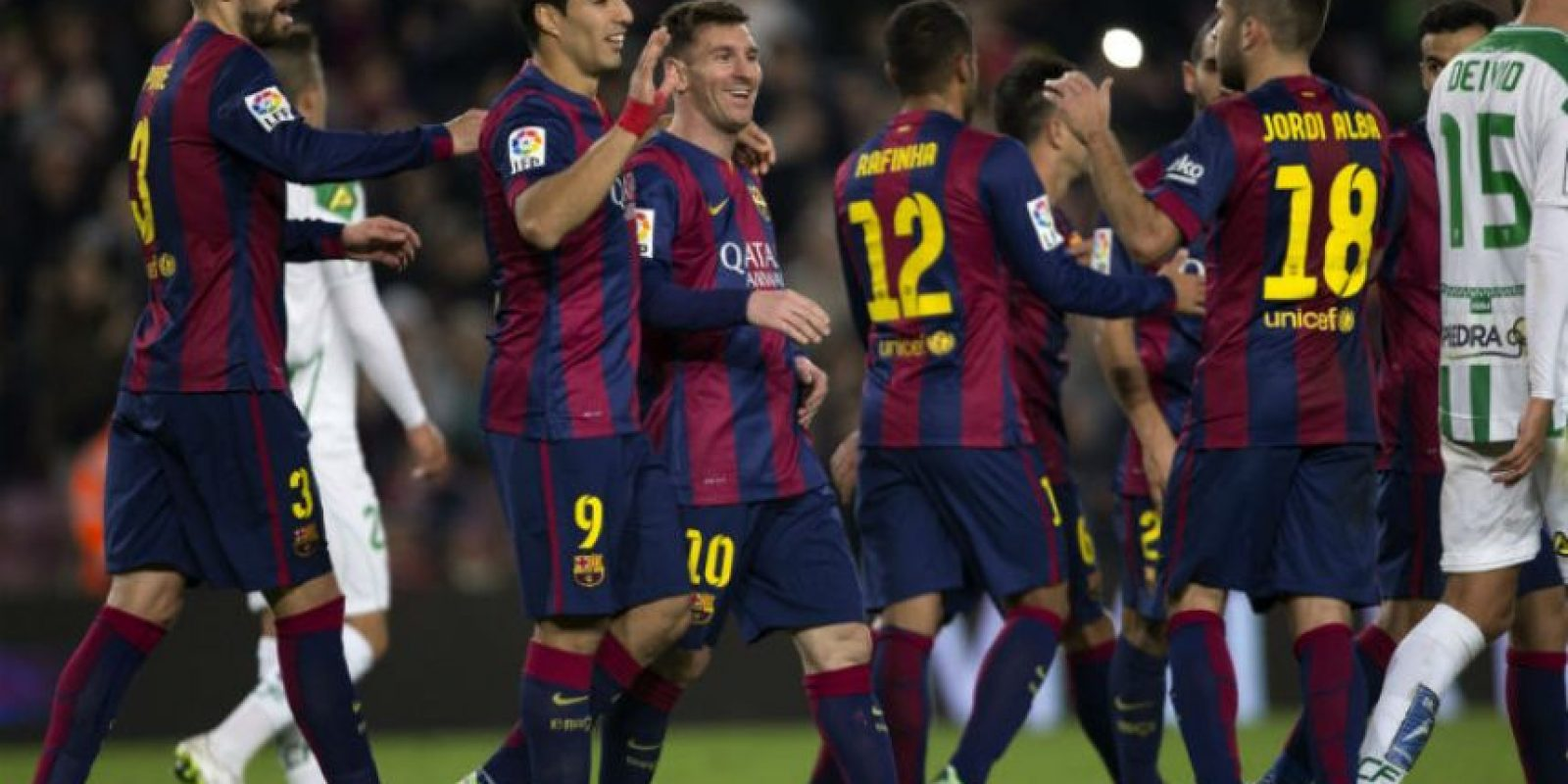 El Barcelona no tuvo piedad del Córdoba y lo goleó por 5-0 con anotaciones de Pedro, Suárez, Piqué y un doblete de Messi. Foto:AFP