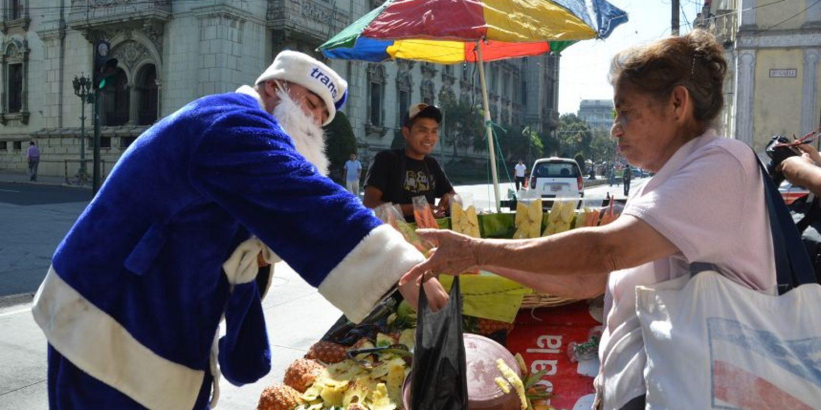 Aprovecha para comprar frutas. Foto:José Castro