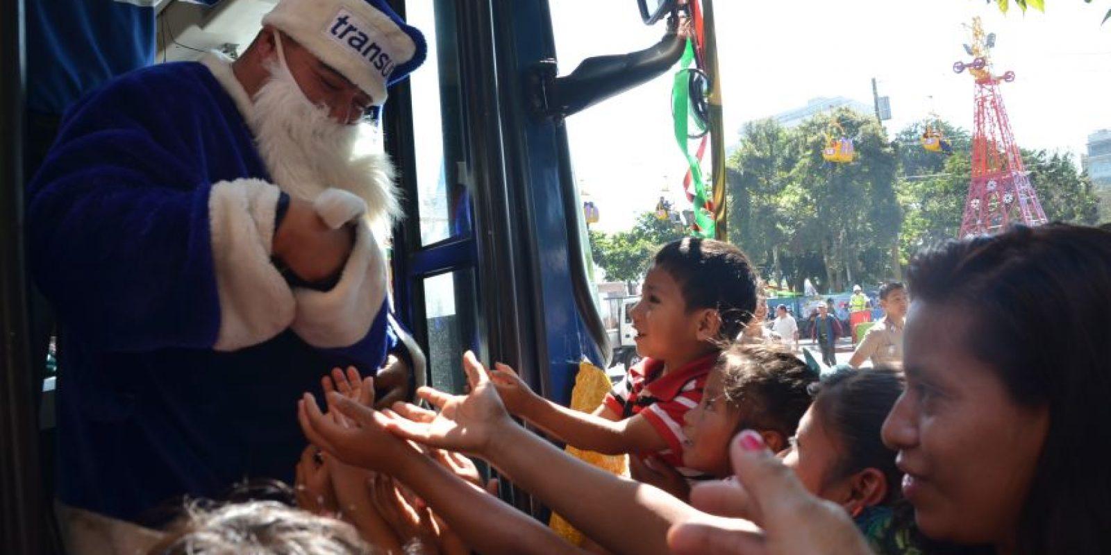 Los niños recibieron regalos. Foto:José Castro