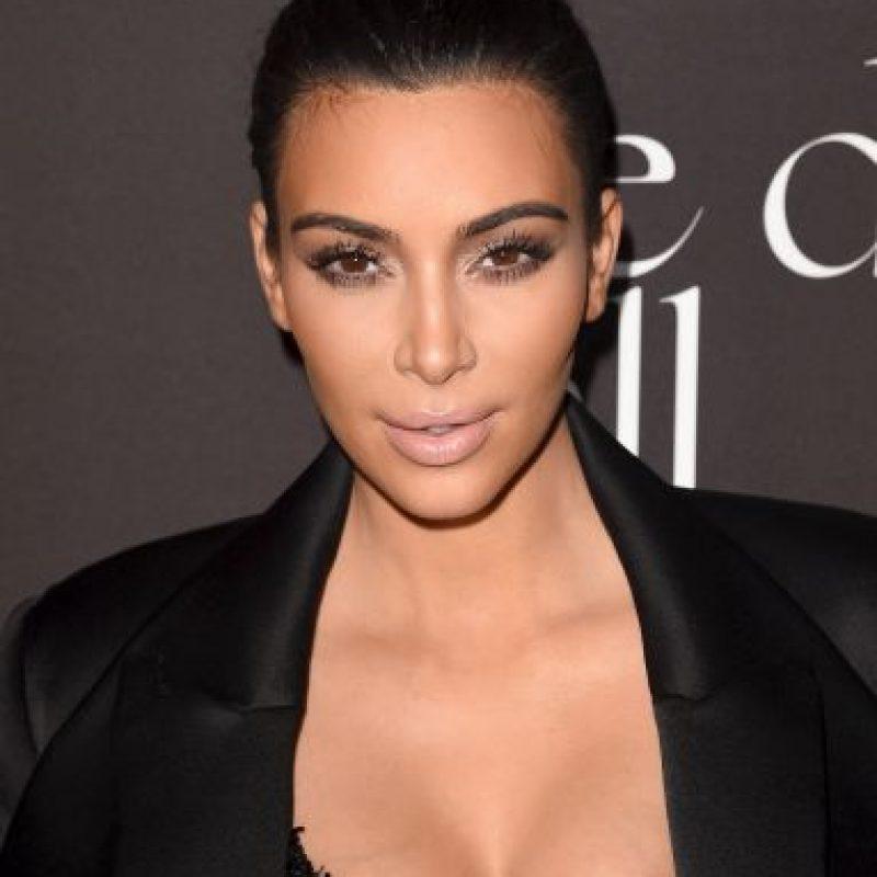 """Kardashian comenzó a figurar en octubre de 2007, cuando junto con sus hermanas, madre, padre, hermanastras, y padrastro protagonizaron la serie de E!, """"Keeping Up with the Kardashians"""" Foto:Getty Images"""