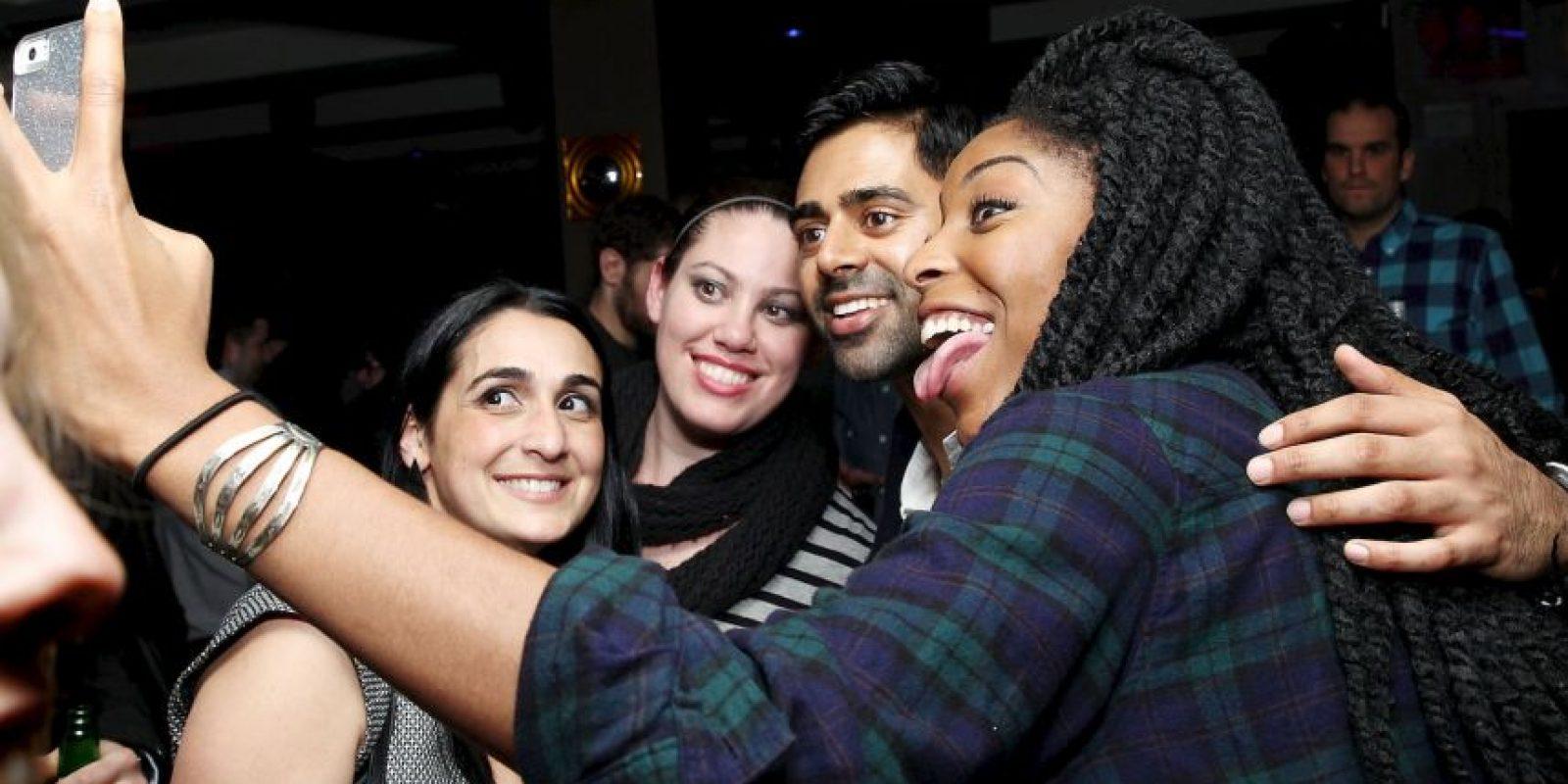 2. Está interesado en que conozcas a sus amigos o familia. Foto:Getty Images