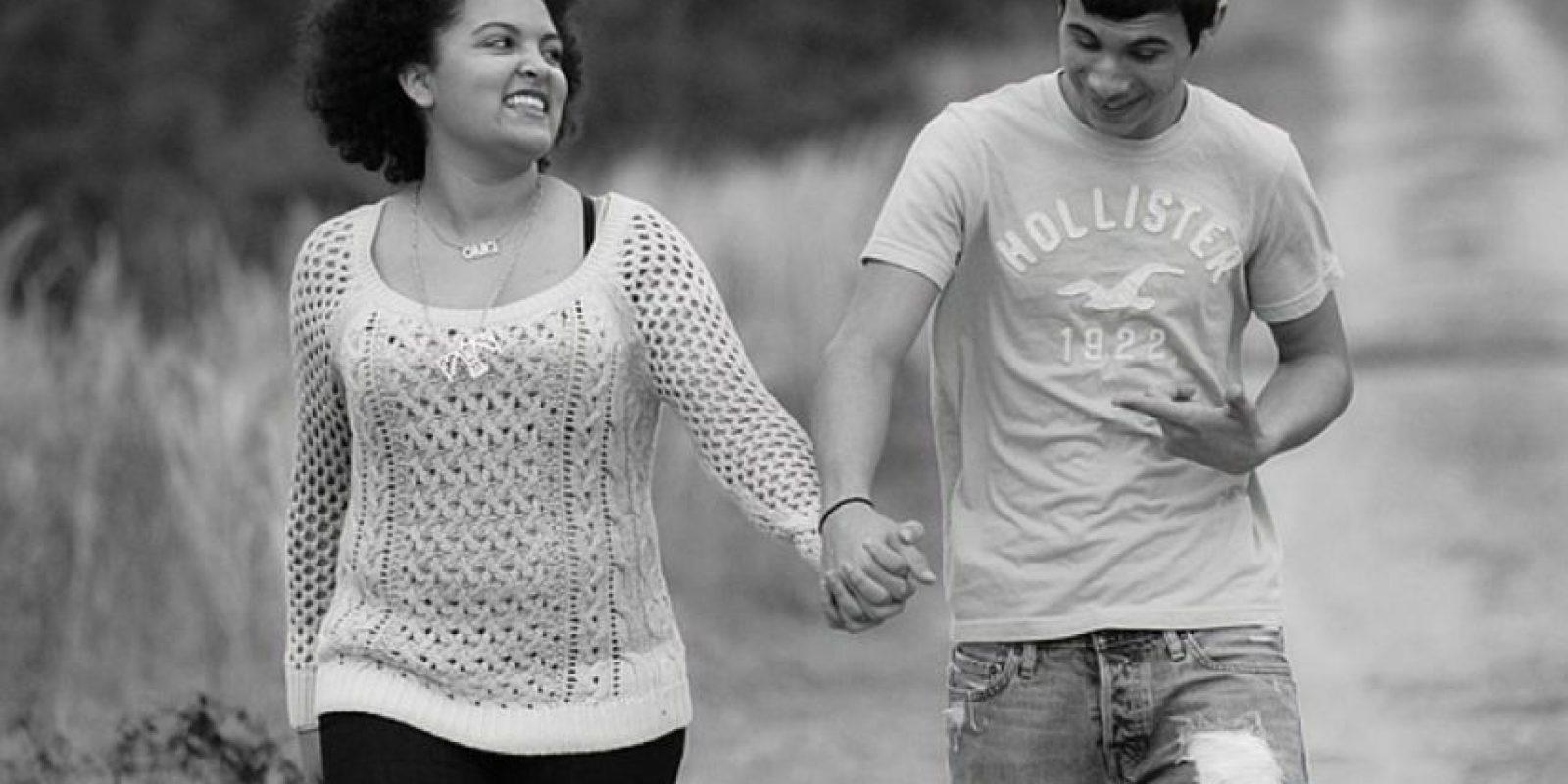 La admiración provee apoyo. Así, cuando recibimos admiración o la damos, nos sentimos notablemente apreciados, amados y reforzados en nuestro amor para con la pareja, confirmando nuestro juicio y fortaleciendo nuestros sentimientos amorosos. Foto:Tumblr.com/Tagged-pareja-elección