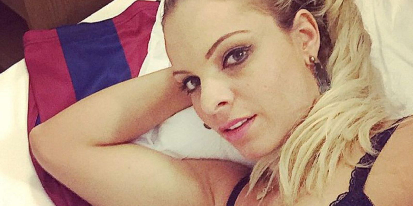 La ganadora del Miss Bum Bum 2014 posteó esta imagen en sus redes sociales y los rumores sobre una relación con el crack brasileño no se hicieron esperar Foto:Instagram: @indianaracarvalho