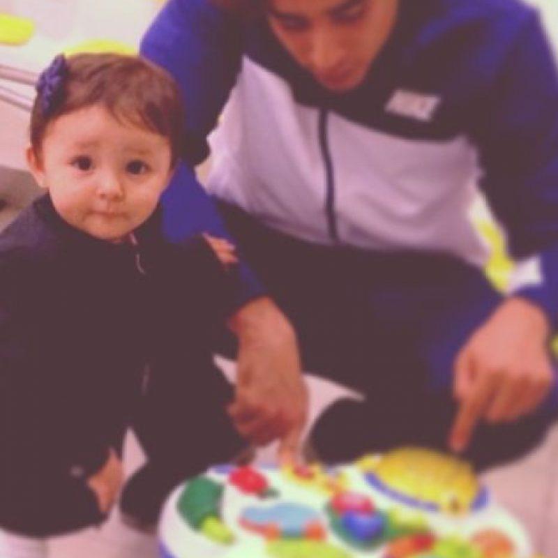 Karla Mora y Guillermo Ochoa son novios desde hace más de dos años. Foto:instagram.com/yosoy8a