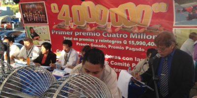 Loteriazo en la zona 18. Foto:Comité Prociegos